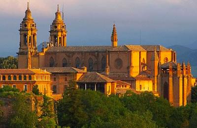 Navarra es una sociedad muy envejecida por l que hacen falta residencias de ancianos