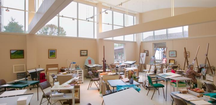 Taller de arte en un geriátrico americano