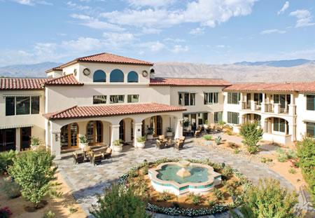 Residencia de lujo para mayores en el desierto californiano