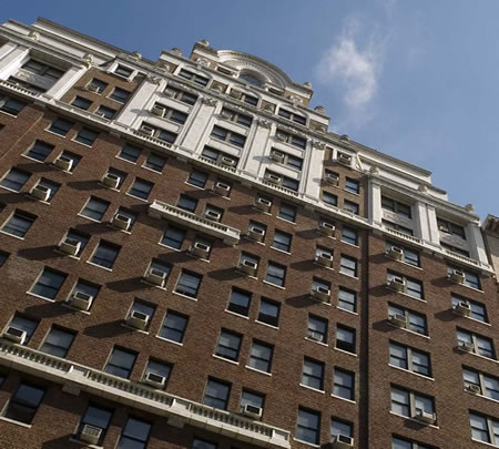 Vivir lujosamente en Manhattan siendo mayor