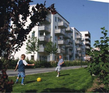 Exterior de un edificio con cohousing de mayores en Suecia