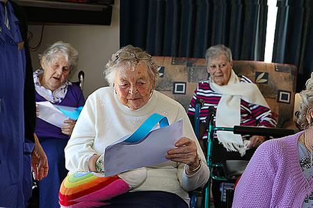 Relato corto sobre la vida en una residencia de mayores