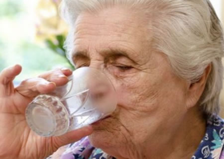 deshidratacion en la tercera edad
