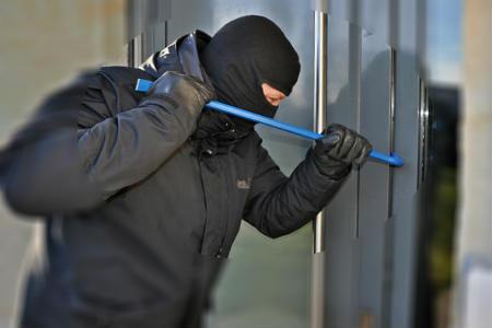 Ladrón roba en residencia de ancianos