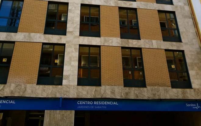 Sanitas residencial abre en madrid la residencia jardines for Residencia el jardin madrid